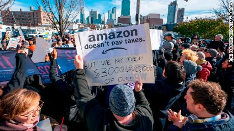 190105174757-01-amazon-hq2-protest-large-169